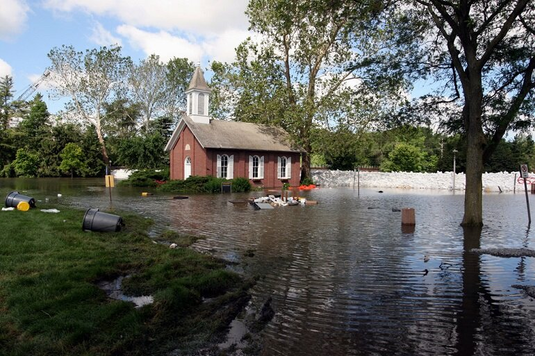 Chapel surrounded by floodwaters at the University of Iowa